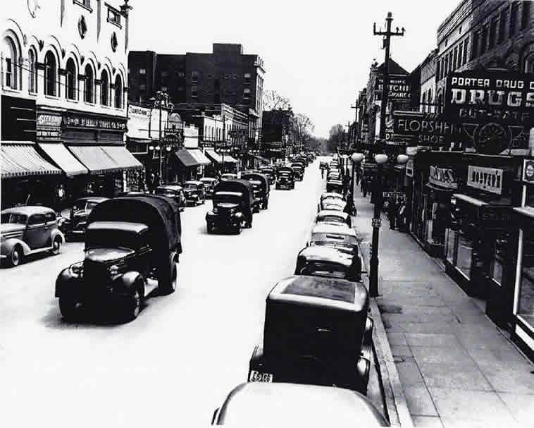 Concord, North Carolina street during World War 2 convoy